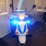 Die Polizia auf elektrischem Polizeimotorrad  www.solarimmobilienb.de